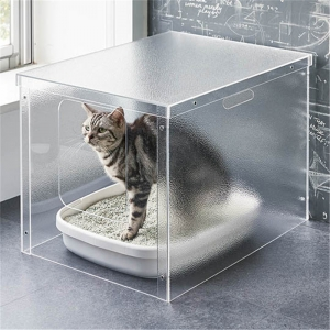 scrub plexiglass pet box